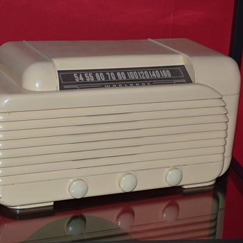 woolaroc radio - Radios