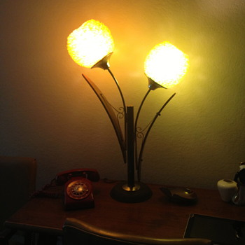 Amazing Spaghetti Bulb Lamp
