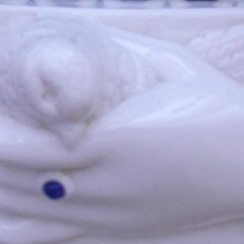 Atterbury Victorian Milk Glass Glove Box - Dove in Hand - Glassware