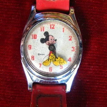 Quicky Post for Wandlessfairy..... UK variant Mickey Mouse - Wristwatches