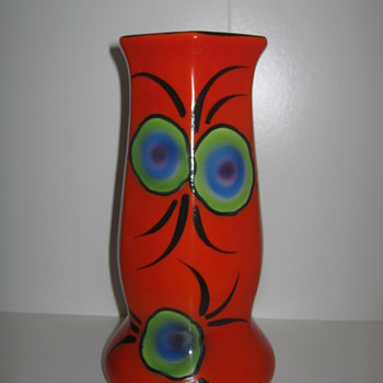 Art Deco Czechoslovakia Pottery Vase Rare Peacock Feather Decor - Art Pottery