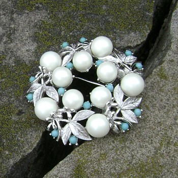 Vintage Sarah Coventry Brooch - Alaskan Summer