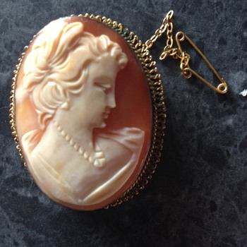 GENUINE SHELL CARVED CAMEO BROOCH - Fine Jewelry