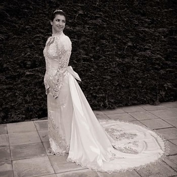 MY FAVOURITE STUNNING VINTAGE WEDDING DRESS
