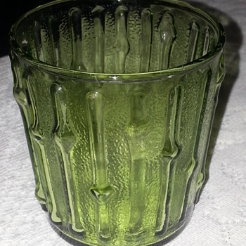 GREEN  AND CLEAR GLASSES - Glassware