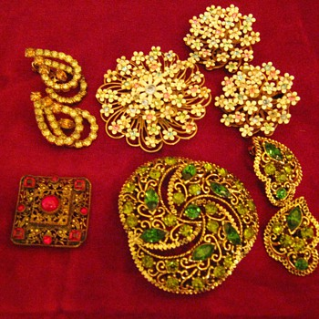 Costume Jewelry - mid 1900's - Costume Jewelry