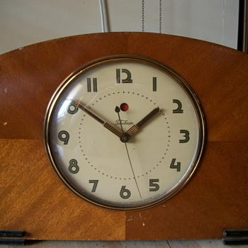 Picardy telechron clock