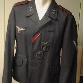 WW II Luftwaffe Fliegerbluse  - Military and Wartime