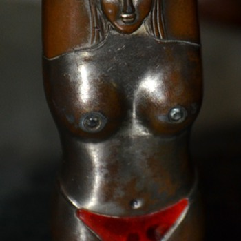 Naughty Nancy Lighter - any info? - Tobacciana