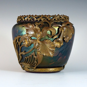 Circa 1902-04 L'Art Nouveau Marcel Bing Overlay Art Glass Vase
