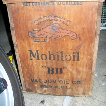 oil/automotive related wood crates - Petroliana