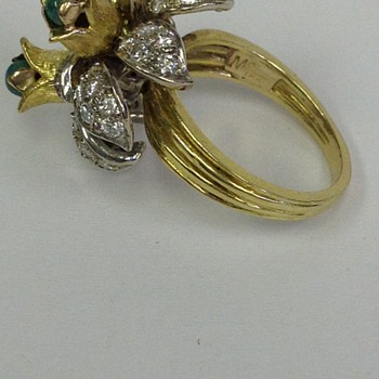 antique ring of 18k and diamonds/ round emeralds - Art Deco