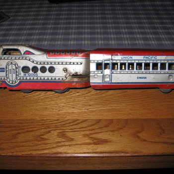 Union Pacific Train Metal 2 pieces engine and 1 car  - Model Trains