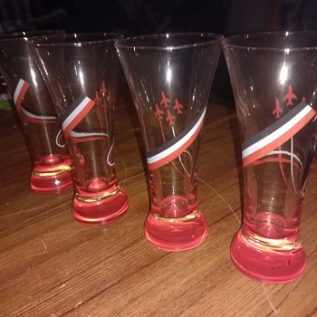 Red Arrows (RAF Display Team) UK, Early vintage period six Tumblers