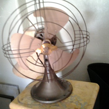 General Electric Vintage Fan found   ... in TRASH.....