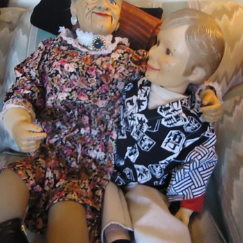Dummy Museum Kentucky!  Dummies help WW-2 Effort!  Simon and Granny went to Dummy Reunion!! - Toys
