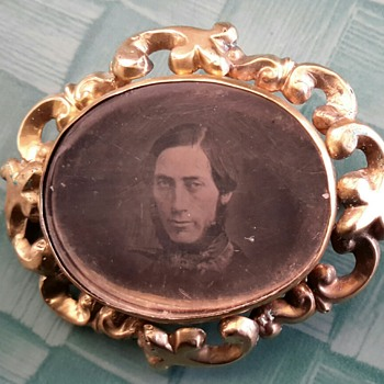 Creepy Daguerreotype Picture Brooch - Fine Jewelry