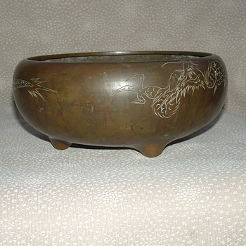 Dragon censer or hibachi - Asian