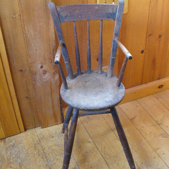 Vintage high chair..age? - Furniture
