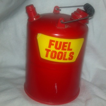 Plastic fuel can with mini screwdriver set inside
