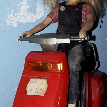 Barbie ? Cindy? Doll on Moped / Scooter from Hong Kong - Dolls
