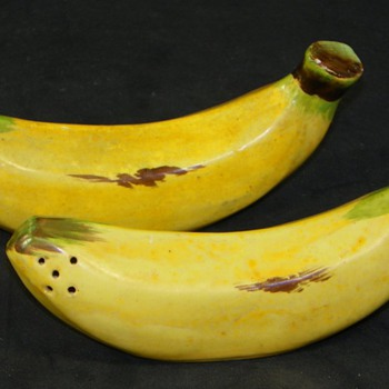 Adorable Figural Banana Salt & Pepper Shakers marked Japan - Kitchen