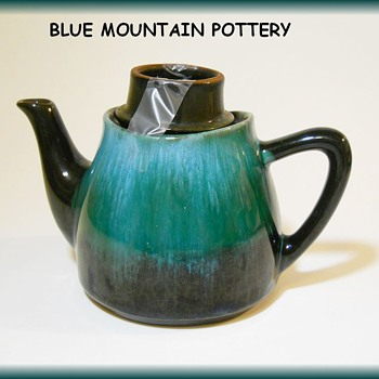 BLUE MOUNTAIN POTTERY -- Blue color -- TEAPOT - Art Pottery