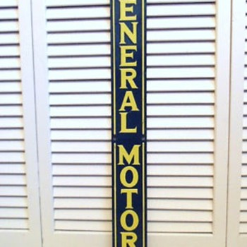 VINTAGE 60s GENERAL MOTORS ENAMELED SIGN - Advertising
