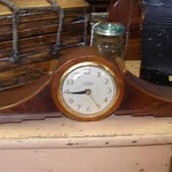 E.Ingraham Company Mantel Clock