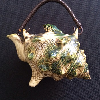 Antique tea pot - Pottery