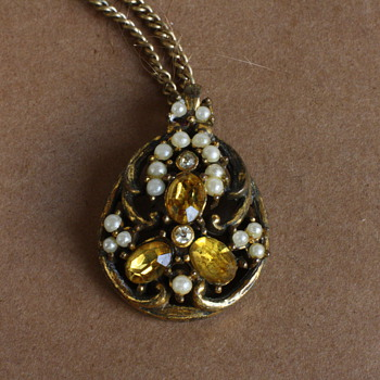 Czech glass pendant - Costume Jewelry