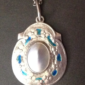 Arts and Crafts Murrle Bennett pendant/necklace