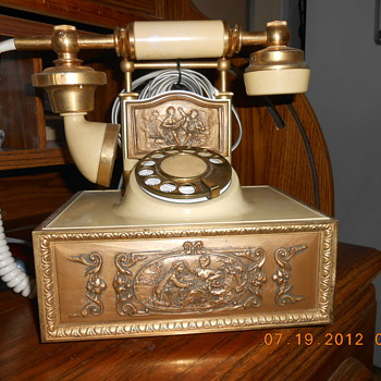 Vintage French Provincial Victorian phone - Telephones