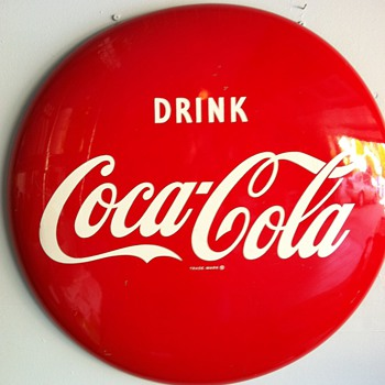 Coca Cola button- age??? - Coca-Cola