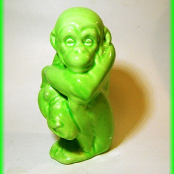 HELP -- Ceramic Monkey Holding Baby ( Made in England )