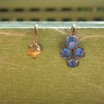 Screw on earrings - Costume Jewelry