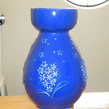 Vintage Cermic vase - Art Pottery