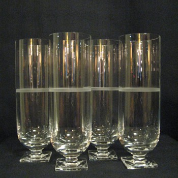 VERA WANG FOR WEDGWOOD CRYSTAL CHAMPAGNE GLASSES (SET OF 4)