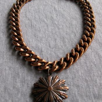 Renoir heavy chain choker w/medallion