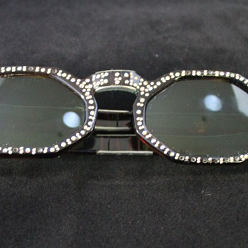 Folding Sunglasses 1950s - Accessories