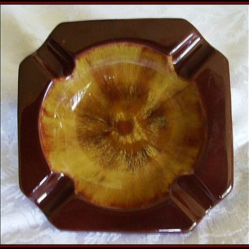 BLUE MOUNTAIN POTTERY - Harvest Gold - Ashtray - CANADA - Tobacciana