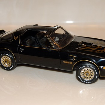 1977 Franklin Mint Pontiac Firebird Black Trans Am - Similar to the one in the movie Smokey and the Bandit - Model Cars