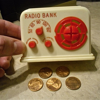 Ideal Plastic Radio Bank, The Other Match To My Red One - Coin Operated