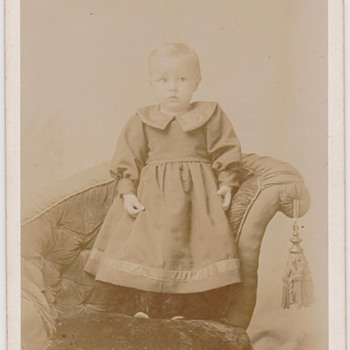 Cabinet Card of Unknown Child - Photographs