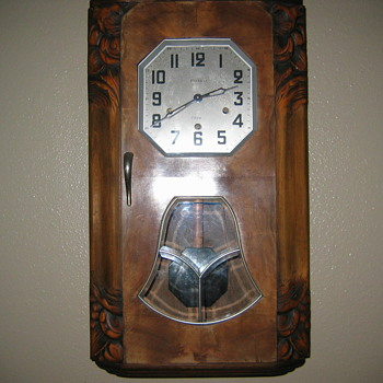 Trying to identify my clock plz help