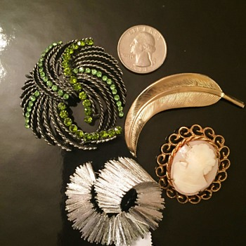 Great finds...I think? - Costume Jewelry