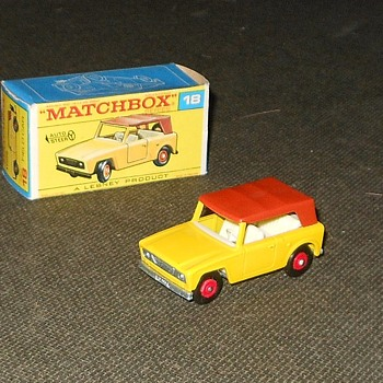 Matchbox MB 18 Scout Car in F Style Box