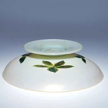 Quezal compote  - Art Glass