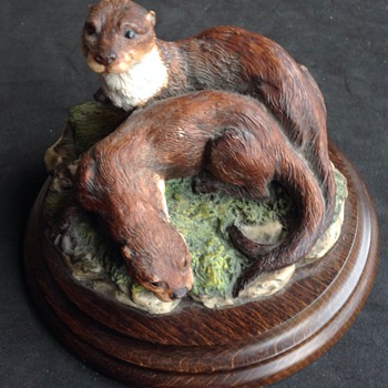 """Country Artists"" Resin Otters - Animals"