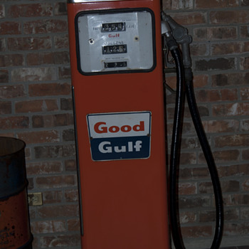 1960 Gulf Gas Pump - Petroliana